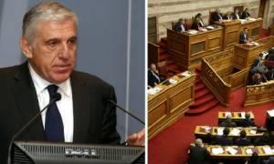 Βουλή: «Ναι» σε προανακριτική επιτροπή για Παπαντωνίου και εξοπλιστικά
