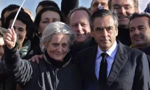 Γαλλία: Οι εισαγγελείς ξεκίνησαν επίσημη έρευνα για τη σύζυγο του Φρανσουά Φιγιόν