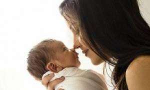 Τρόποι για να ηρεμήσετε το μωρό όταν έχει ένταση