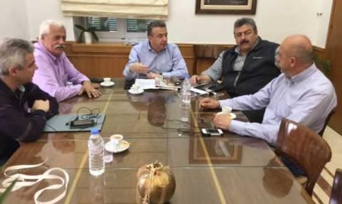 Περιφερειάρχης Κρήτης: Συνάντηση με τους δημάρχους Αποκορώνου και Σφακίων