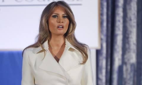 Μελάνια Τραμπ: Άκρως εντυπωσιακή, άσκησε τα καθήκοντα της Πρώτης Κυρίας (pics+vid)