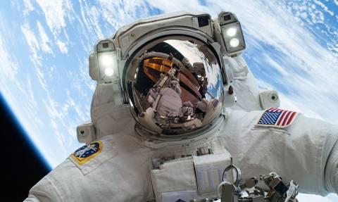 Δείτε τους αστροναύτες του ISS να περπατάνε στο διάστημα