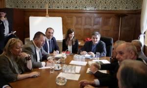 Βόμβα: «Κλειδώνει» το αφορολόγητο στις 6.000 ευρώ κι έρχεται νέο «πετσόκομμα» στις συντάξεις