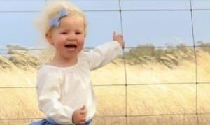 Έβγαλε την κόρη της μια συνηθισμένη φωτογραφία. Αυτό που είδε μετά την έκανε να χάσει τον ύπνο της!