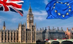 Αγωνία στη Βρετανία: Η Ευρωπαϊκή Ένωση ανακοινώνει σήμερα τους όρους για το Brexit