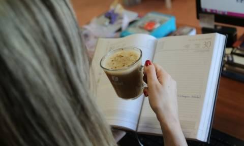 Τα πολλαπλά οφέλη ενός απολαυστικού καφέ στο γραφείο
