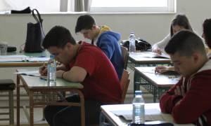 Πανελλήνιες 2017: Αλαλούμ με το μηχανογραφικό - Δεύτερη ευκαιρία για τους υποψήφιους