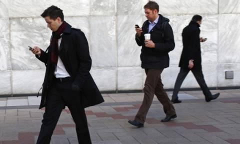 Στοιχεία σοκ: 6.000 θάνατοι πεζών σε έναν χρόνο στις ΗΠΑ λόγω κινητού τηλεφώνου