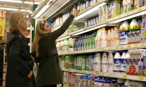 Με «δελτίο» οι Έλληνες στα σούπερ μάρκετ
