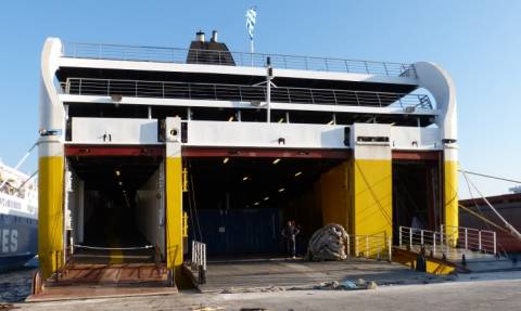 Ζάκυνθος: Θρίλερ με πτώση νεαρής γυναίκας από πλοίο