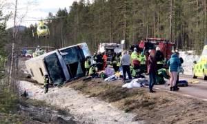 Τραγωδία στη Σουηδία: Ανετράπη λεωφορείο με μαθητές