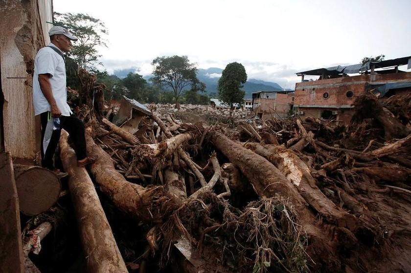 «Βιβλική» καταστροφή στην Κολομβία: Στους 234 ο αριθμός των νεκρών από την κατολίσθηση λάσπης