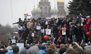 Ρωσία: Μπαράζ συλλήψεων στους δρόμους της Μόσχας - Τι συνέβη;