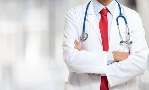 Νοσ. Σαντορίνης: Εκλιπαρεί για νέες προσλήψεις η ΑΕΜΥ, οι γιατροί όμως γυρίζουν την πλάτη