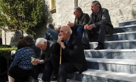 Γροθιά στο στομάχι! «Mόλις τα βγάζει πέρα» το 63% των Ελλήνων