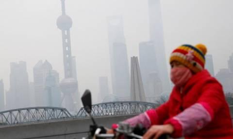 «Πορτοκαλί συναγερμός» στο Πεκίνο λόγω της ατμοσφαιρικής ρύπανσης
