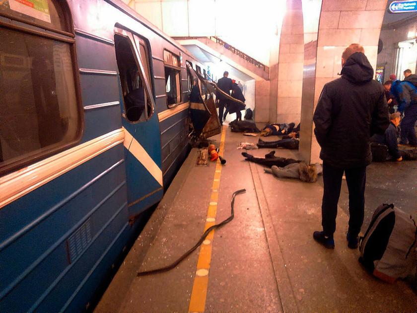 Έκρηξη Αγία Πετρούπολη: Συγκλονιστικές εικόνες από το μετρό – Θλίψη και ανησυχία στη χώρα