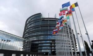 Γιατί οι Βρυξέλλες αποφεύγουν να επιβεβαιώσουν το mini Eurogroup απόψε