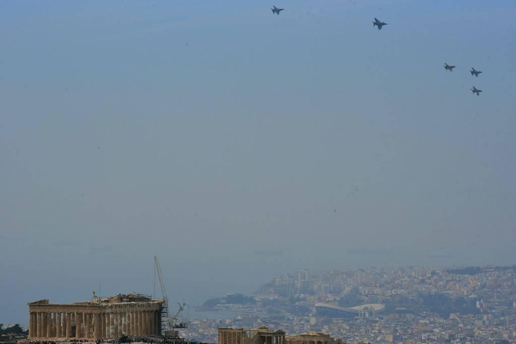 Μαχητικά αεροσκάφη στην Αθήνα: Δείτε εντυπωσιακές φωτογραφίες