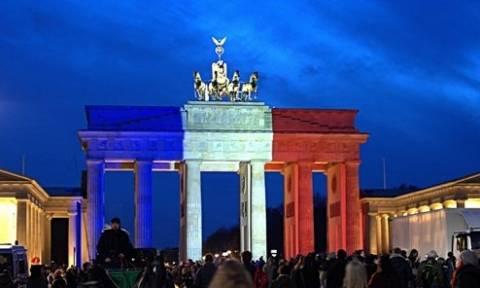 Οργή για την άρνηση του Βερολίνου να φωταγωγήσει τη Πύλη του Βραδεμγούργου στα χρώματα της Ρωσίας