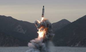O Κιμ «πάτησε το κουμπί» - Η Βόρεια Κορέα εκτόξευσε βαλλιστικό πύραυλο (vids)