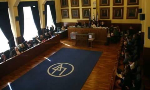 Παραλίγο ξύλο στο διοικητικό συμβούλιο του Δήμου Πειραιά