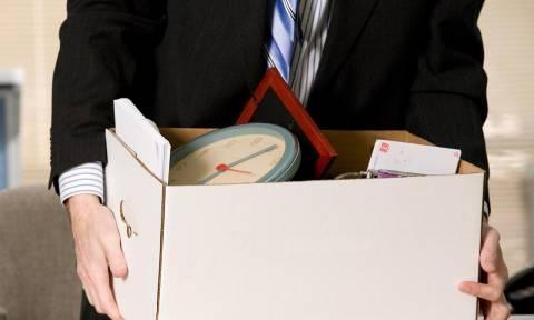 ΕΛΣΤΑΤ: Απολύσεις 50άρηδων, προσλήψεις νέων χαμηλόμισθων