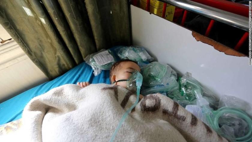 Συγκλονίζουν οι φωτογραφίες των νεκρών παιδιών από τη χημική επίθεση στη Συρία (ΣΚΛΗΡΕΣ ΕΙΚΟΝΕΣ)