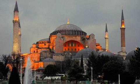 «Παιχνίδια» Τούρκων με την Αγιά Σοφιά: «Πλαστή» η υπογραφή του Κεμάλ για μουσείο