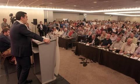 Συνεδριάζει η ΚΕ του ΣΥΡΙΖΑ: Αρχίζει το «μασάζ» στους βουλευτές