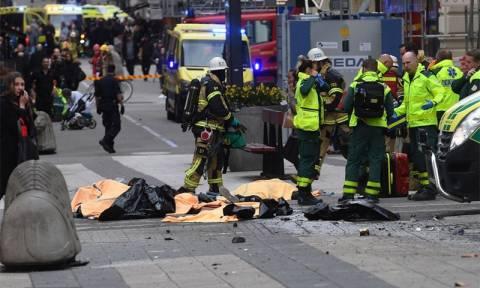 Επίθεση Στοκχόλμη: Εικόνες τρόμου από το σημείο της επίθεσης (pics-vid)