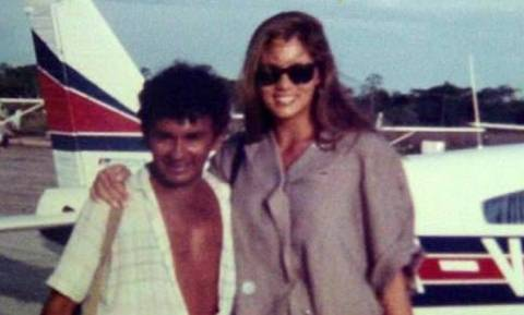 Ο πιλότος των παράνομων χρυσωρύχων και των ιερόδουλων που επέζησε από 11 πτώσεις αεροπλάνων