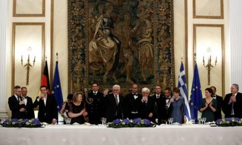 Παυλόπουλος: Η Ελλάδα θα διεκδικήσει τις πολεμικές αποζημιώσεις