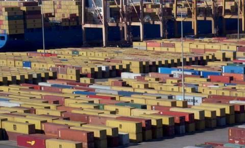 Μειώθηκαν οι ελληνικές εξαγωγές με εξαίρεση τα τρόφιμα