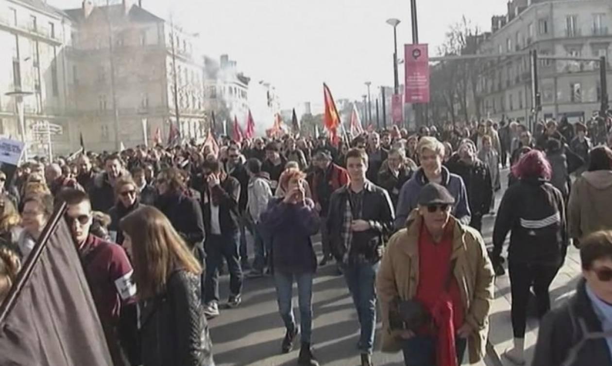 Γαλλία: Επεισόδια σε προεκλογική συγκέντρωση της Μαρίν Λεπέν