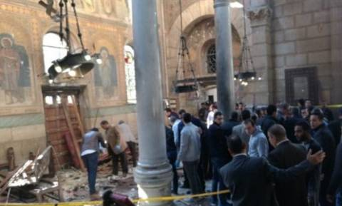 Επίθεση εκκλησία Αίγυπτος: Συγκλονιστικό βίντεο από τη στιγμή της έκρηξης (ΠΡΟΣΟΧΗ! ΣΚΛΗΡΕΣ ΕΙΚΟΝΕΣ)