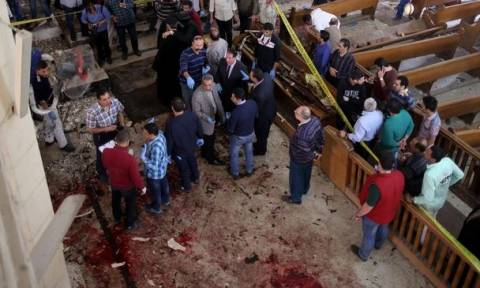 Two bomb attacks on Egyptian churches kill 41 at Palm Sunday services in Tanta and Alexandria (vids)