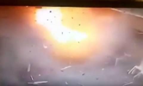 Μακελειό Αίγυπτος: Καρέ-καρέ η συγκλονιστική στιγμή της έκρηξης στην Αλεξάνδρεια (ΣΚΛΗΡΕΣ ΕΙΚΟΝΕΣ)