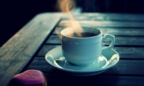 Γνωστές καφετέριες προσφέρουν έκπτωση αν πας με το… ποτήρι σου!