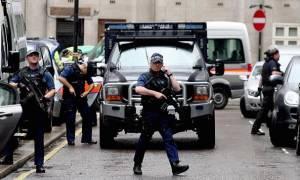Συναγερμός στο Λονδίνο: Απόπειρα ένοπλης επίθεσης σε τουριστικό σημείο της πόλης (Pic)