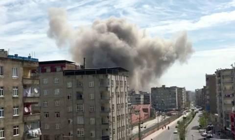 Συγκλονιστικό βίντεο από τη στιγμή της έκρηξης στο Ντιγιάρμπακίρ στην Τουρκία