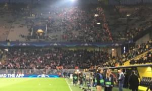 Συγκινητικές στιγμές στο γήπεδο της Ντόρτμουντ (vid)