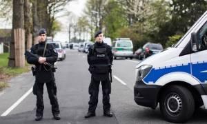 Επίθεση Ντόρτμουντ: Δείτε LIVE εικόνα από τις έρευνες της αστυνομίας στο σημείο της έκρηξης