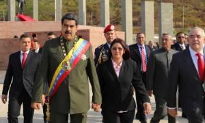 Βενεζουέλα: Το πλήθος όρμησε να λιντσάρει τον πρόεδρο Μαδούρο (vids)