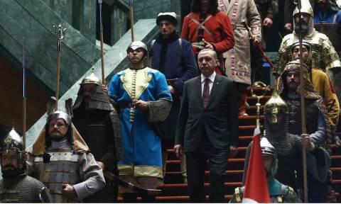 Δημοψήφισμα Τουρκία: Οι δέκα ημερομηνίες-σταθμοί στην αναρρίχηση του Ερντογάν στην εξουσία