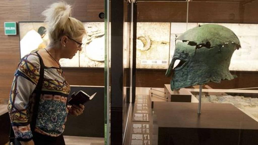 Το άλυτο αίνιγμα του Έλληνα οπλίτη του 6ου αιώνα ο τάφος του οποίου ανακαλύφθηκε στην Ισπανία (Pics)