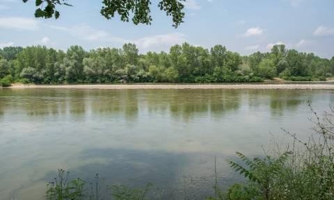 Θρίλερ στον Έβρο: 64 πρόσφυγες εγκλωβίστηκαν στον ποταμό