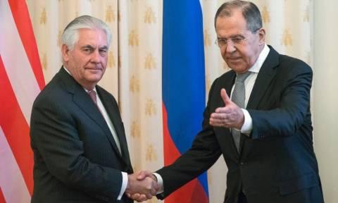 Συνάντηση Τίλερσον με Πούτιν και Λαβρόφ: Χαμηλό επίπεδο εμπιστοσύνης μεταξύ Μόσχας - Ουάσινγκτον