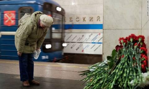 Αγία Πετρούπολη: Συνελήφθη δόκιμος στρατιωτικής Ακαδημίας για την επίθεση στο μετρό