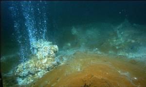 «Βρυχάται» ο Κολούμπος της Σαντορίνης: Το πιο επικίνδυνο υποθαλάσσιο ηφαίστειο της Μεσογείου